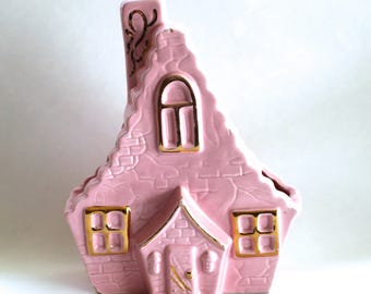 Vintage 1950s Pink and Gold Ceramic House Shaped Vase/Planter! Super Cute!