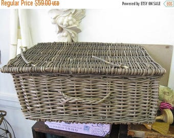 75% OFF Vintage Picnic Basket French Nordic French Cottage chic Wicker Rattan