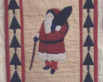 Santa Is Coming Quilt Pattern – Santa Sampler Series Fifth of Six - Uncut - Q055