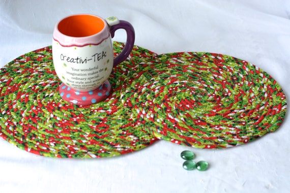 Holiday Place Mats, Handmade Christmas Trivets, Hot Pads, Christmas Decoration, Table Mats, Holiday Decoration, Potholders