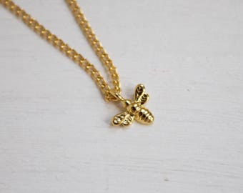 tiny honeybee -necklace (bee charm 16k gold plated every day minimal neckpiece)