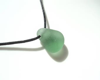 Sea Glass side drilled pendant - light green - E1744 - from Seaham, UK