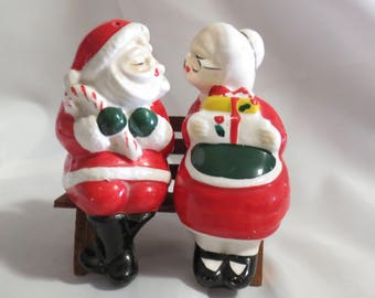Mr and Mrs Santa Clause Kissing Bench Sitters Vintage Salt and Pepper Shakers