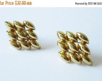 On Sale Ciner Gold Tone Clip On Earrings Vintage Ciner Statement Earrings