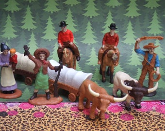 11 Settlers Figures. Cake Toppers. Group of Horses, Longhorns, People and caravans. Made by Safary Ltd.