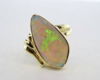 14k Yellow Gold Late Art Deco 5+ ct Fine Grey Base Crystal Opal Ring- Size 7.25