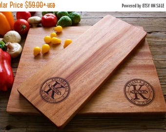 ON SALE Personalized Cutting Board Set, Personalized Wedding Gift, Housewarming Gift, Anniversary Gift, Personalized Cutting Board