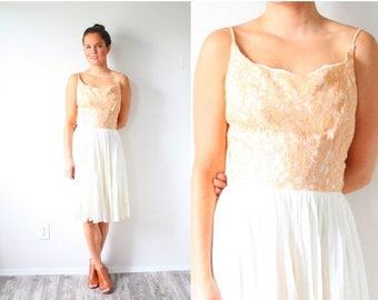 30% OFF SALE Vintage 1950's peach lace top ivory dress // baby doll peach dress // lace mini dress // party dress / prom dress XS/S lace lig