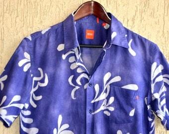 HUGO BOSS Vintage COTTON Hawaii Shirt Size M L  42 - 43 Summer Print Thaiti Style Blue Floral Dress Shirt