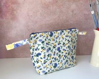 Vintage Laura Ashley project bag / zipper bag