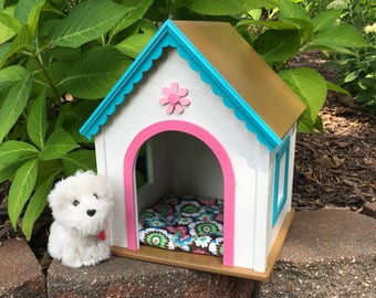 American Girl Doll pets: Wellie white  dog house, with pink and aqua trim medium size