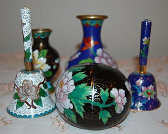 Beautiful Chinese Cloisonne Collection 5 Pieces 2 Bells 2 small vases and Cloisonne Paperweight Decorative Stunning Cloisonne Collection