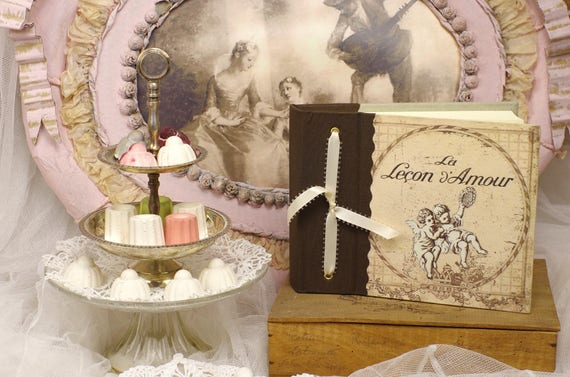 "Album photo ""La lecon d'Amour "" angels french made linen printed vintage shabby love"