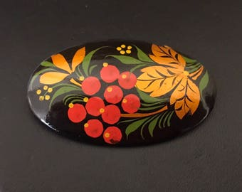 Beautiful classic hand painted Russian lacquer berries brooch