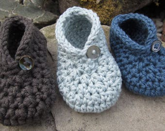 Crochet Pattern for Button It Bootee