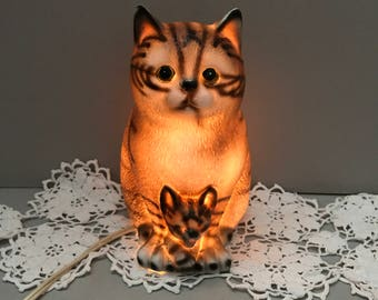 Vintage Cat Night Light, Ceramic Cat Light, Cat with Kitten, Price Products, Nursery Night Light, Cat Figurine Light, Table Top Nightlight,
