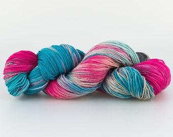 Laine Tricotcolor teinte à la main mérinos handdyedwool tricot crochet fourniture créative mercerie teinture tricotcolor knit tissage