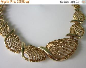 50% OFF Vintage Striking NAPIER Goldtone, Graduated Rope Link Collar Necklace