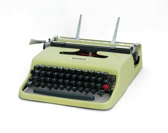 Vintage Typewriter,  Green Portable Working Typewriter, Mid Century typewriter, Olivetti - Ivrea 50s, Pea green typewriter, Summer sale