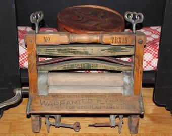 Vintage Wooden Clothes Wringer Simmons Laundry Mangle Farmhhouse Decor