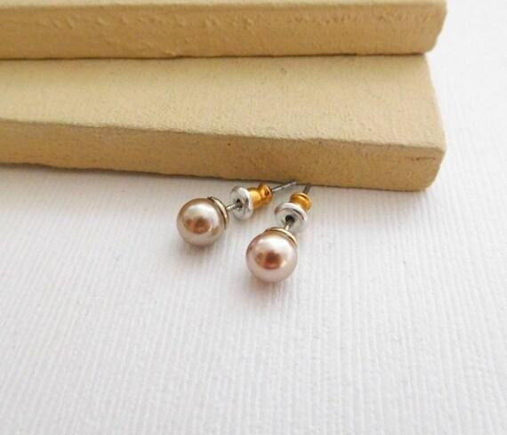Vintage Small 4mm Genuine Pink Pearl Stud Earrings D5