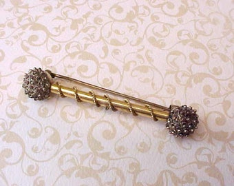 Pretty Victorian Era Brooch with Granulated Metal Ends