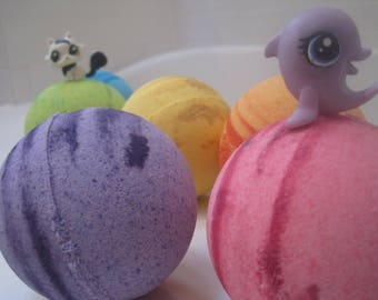 FREE SHIPPING - Littlest Pet Shop Bombs- Bath Bombs with Surprise Pet Shop Toys Inside