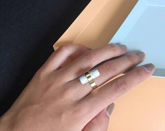 ON SALE Delicate simple everyday cylindrical Ring - Marble gold ring
