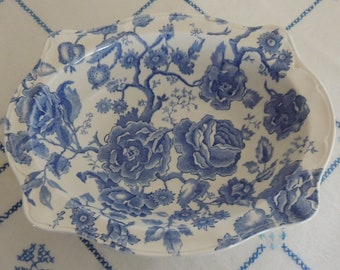 "Vintage Johnson Brothers English Chippendale 9.75"" Oval Vegetable Bowl Blue & White Floral Bridal Gift Wedding Table Romantic Table"