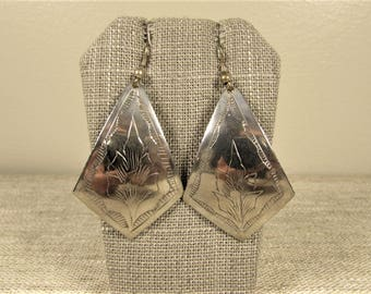 Southwest Style Dangle Earrings - Vintage Silver Tone Etched Flower