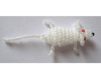 Miniature mouse with seed beads and nylon thread
