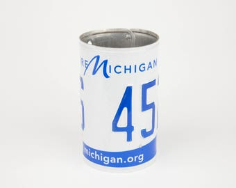 Michigan License Plate Pencil Holder - Back to School supply - Dorm Room Decor - Graduation Gifts - Flower Vase - Michigan souvenir