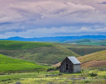 Landscape Photography | Eastern Oregon | Soft Colors | Desert Landscape | Country | Rural | Rustic Photo | Old Barn