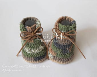 Crochet baby booties, unisex baby booties, baby boots, baby camo shoes, camouflage, military army boots, baby shower, 0-3 months, 3-6 months