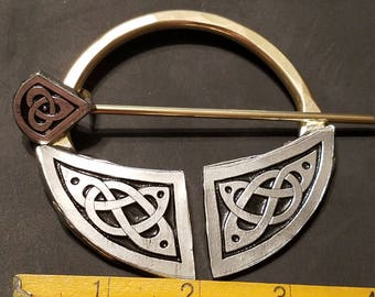 Extra Large Celtic Pennanular Brooch with Knotwork