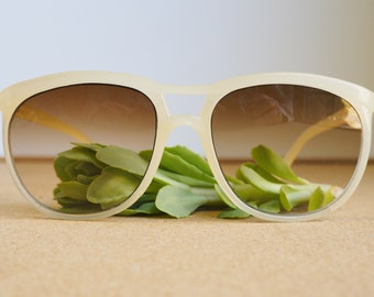 Vintage Sunglasses 1980's New old Stock/Vintage/80's Glamour Sunglass Peach Toned Made In Taiwan pretty