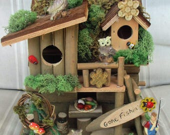 """Birdhouse- """"Woodsy Owls"""" Gone Fishing Country Bird  House"""