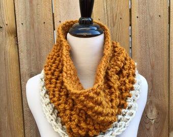 Cowl | Crochet | Mustard