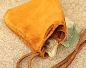 Small Coin Purse, Leather Money bag, Small medieval pouch, medicine pouch, Pixie, Boho, LARP. Suede.