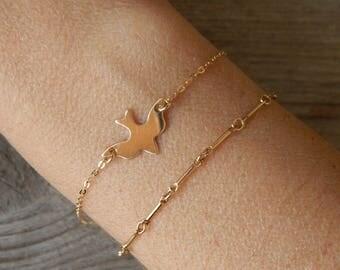 Dove Bracelet, Gold bird bracelet, Dainty bracelet, Gold dove bracelet, Dainty dove bracelet, Delicate bracelet, Small dove bracelet