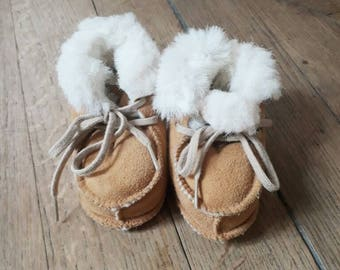 Vintage suede and fur baby boors