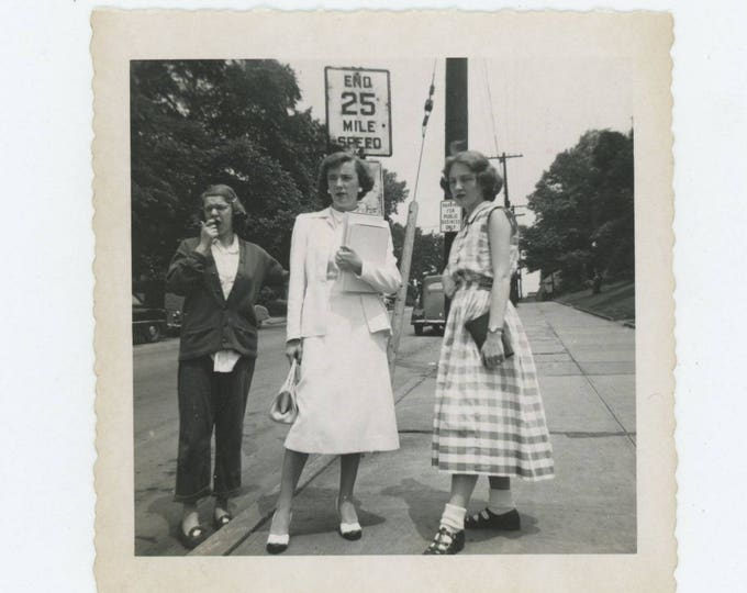 Vintage Snapshot Photo: Three Gals, c1950s (711621)