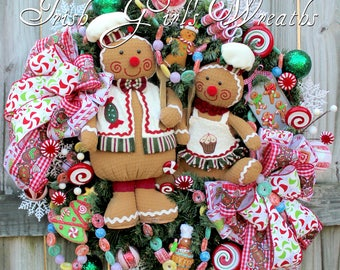 Gingerbread Baker Couple Peppermint Christmas Wreath, Large Holiday Wreath, Candy Christmas, Gingerbread Chef, Gingerbread girl