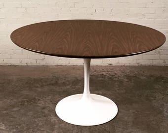 Burke Mid Century Modern Tulip Based Dining Table With 5 Chairs ~ Saarinen  Style