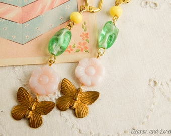 Shabby butterfly earrings / upcycled earrings / shabby jewelry / boho earrings / flower earrings / shabby chic / upcycled vintage