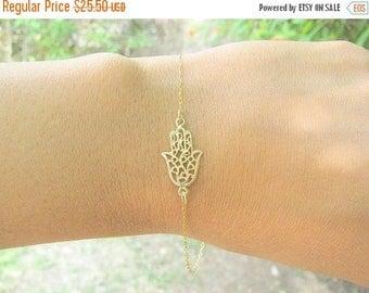 SALE - Gold hamsa bracelet - Gold everyday bracelet - Dainty hamsa bracelet - Hamsa hand bracelet