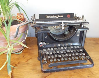 1930s Remington Model Standard No. 16 Typewriter – Not Working