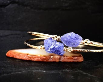 Raw Tanzanite Bangle Bracelet / December Birthstone Gift for Wife or Mom / Rough Natural Tanzanite Boho Jewelry / Organic Violet Blue Stone