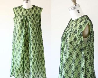 1960s black lace shift dress // green shift dress // vintage dress