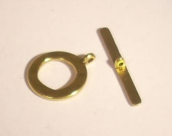 Gold metal Tibetan 17X28mm gold round toggle